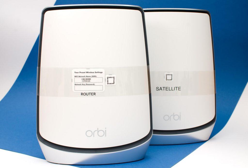 Orbi RKB852 - Router und Satellit