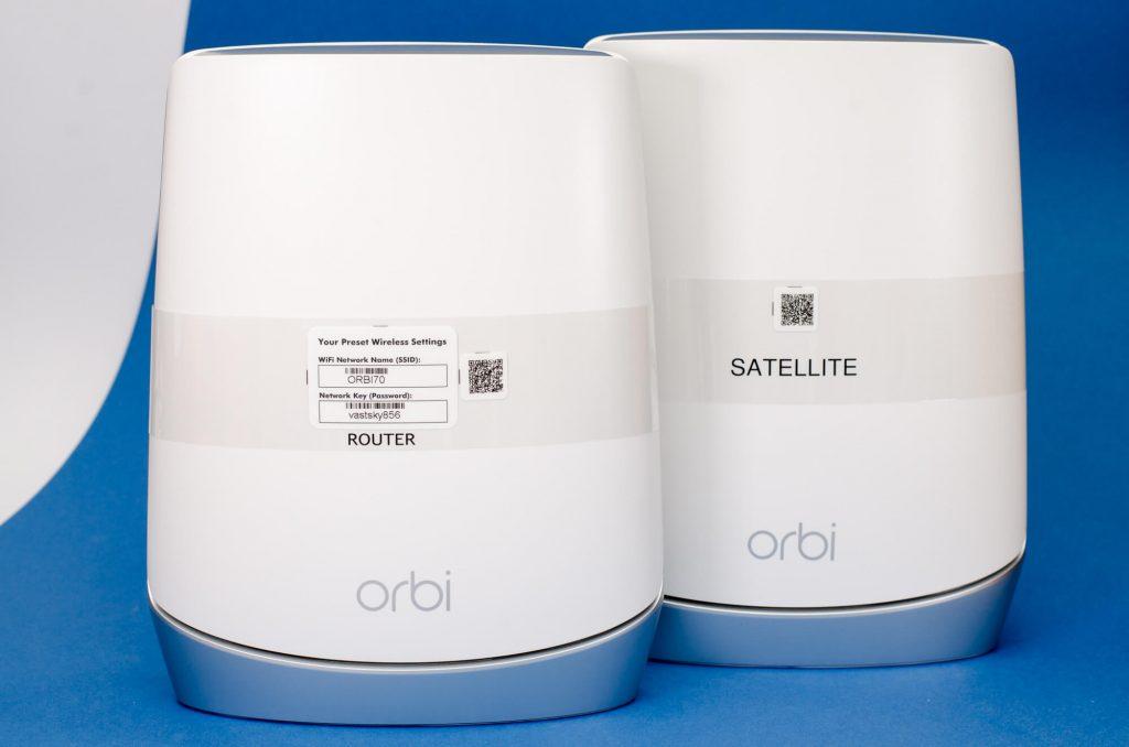 Orbi RBK752 - Router und Satellit